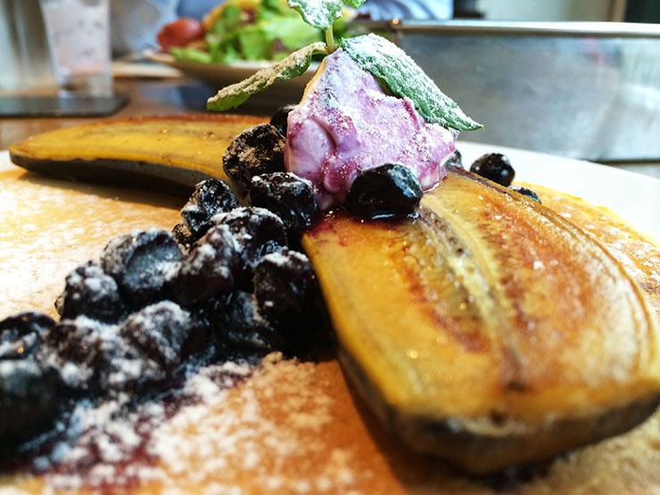 【希少な上質スイーツ】開店前から行列が出来るカフェ『麹町カフェ』で癒やされる