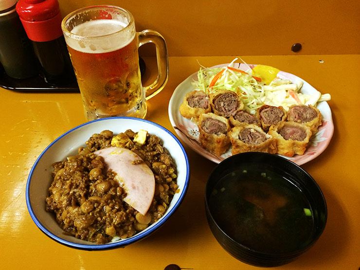 東京の大衆食堂でスペイン・アンダルシア地方の名物料理フラメンキンが大人気! つるかめ食堂