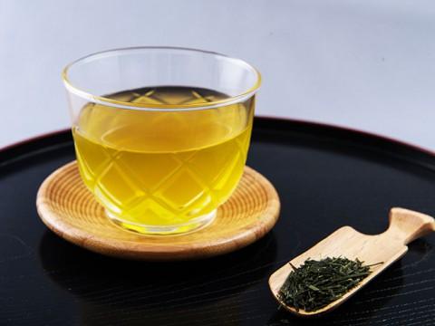 お茶を飲みつつ社会を考える『十思カフェ』開催 / 日系米人茶道家シーナ・アイリーンさん