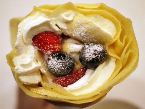 クレープ専門店『クレーパーズ』が創るスイーツの甘美な世界 / ベリーベリーバナナ生クリーム