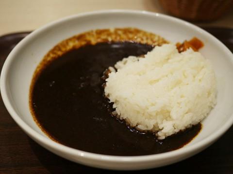 モスバーガーの喫茶店『モスカフェ』の黒カレーが芳醇マイルド風味!