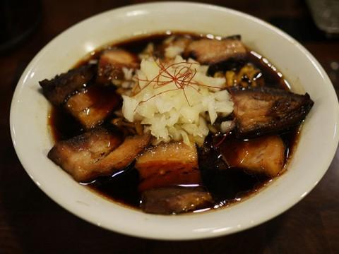 肉と魚の共演が生んだ至高の絶品「ネオ竹岡式らーめん」期間限定提供中 / 麺や庄の