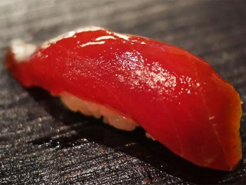 予約1年待ちの庶民的な寿司屋『波やし』がグルメ業界で話題に / 大金を積んでも得られない心地よさ