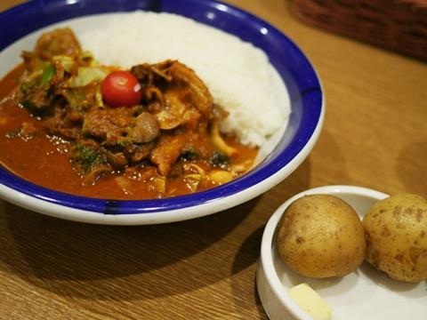 激辛なのに癒やしのスパイスが絶品 / エチオピアのチキン野菜カレー(辛さ100倍)