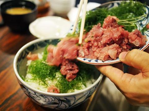 新鮮な鯵を自分で丼にのせる「鯵のたたき丼」が絶妙 / 和可奈鮨