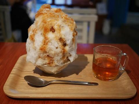 南国の沖縄を極寒の氷で楽しむ沖縄ぜんざいカキ氷 / avocafe+