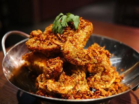 激辛スコヴィルチキンが痛いほど辛いのに美味しい / 中華料理店『上海ブギ』