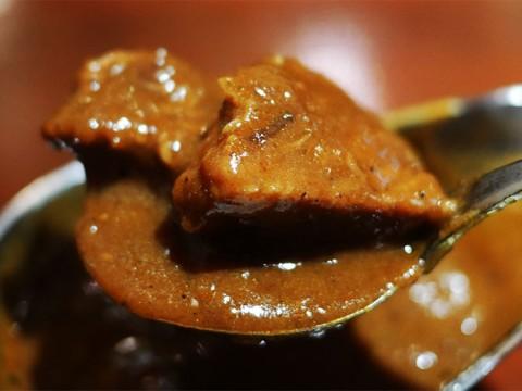 食品企業が惚れ込んだ味 / 甘さと辛さに包まれる驚異の欧風カレー / プティフ・ア・ラ・カンパーニュ
