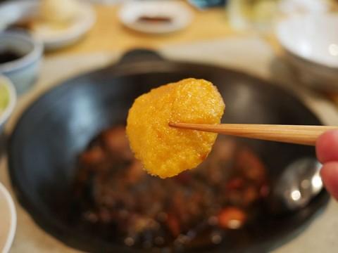伝説の中国東北料理店が密かにオープンさせた味坊鉄鍋荘 / 鉄鍋料理で希少なパンを楽しむ