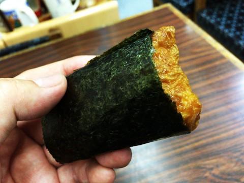 賞味期限が10秒の「海苔巻きいなり寿司」が革命的な美味しさ / 持ち帰り不可能