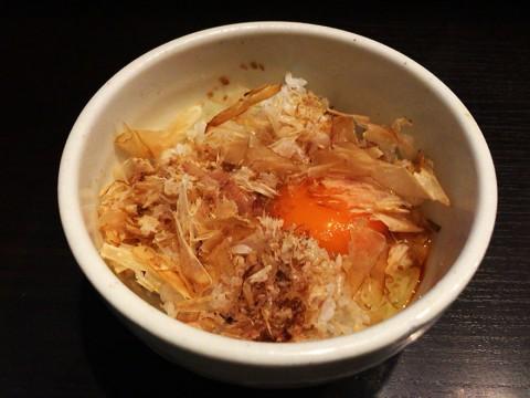 【東京都北区赤羽】極めて珍しい「鶏ぶし」をまぶした卵かけごはん / 麺処 夏海