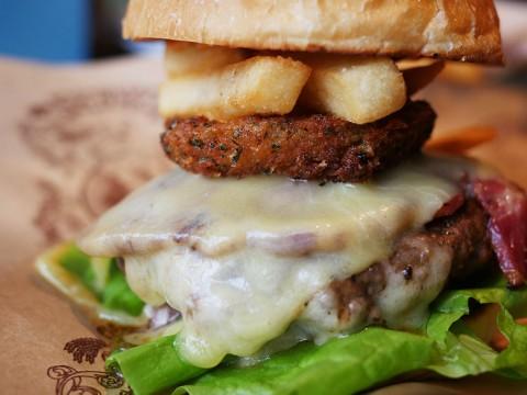 ニューヨークで絶大な人気を誇るオーガニックファストフード店ベアバーガーが銀座に / シュプリームが美味