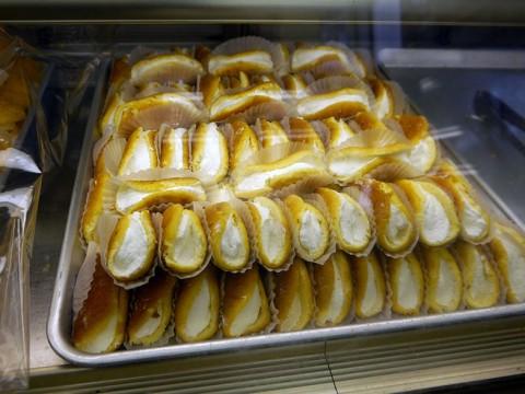 昭和レトロなパン屋が大人気 / サイズも値段もかわいい35円オムレット / シロヤベーカリー 小倉店