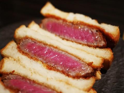 おそらく日本一のカツサンド / SATOブリアンの「ブリカツサンド」を食べて涙する