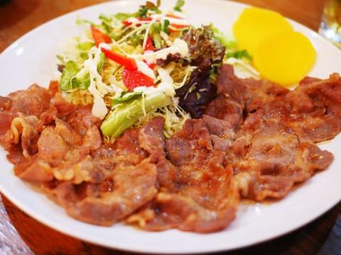 昭和から続く下町のカフェレストラン・フィレンツェ / 女将のガツンと濃いめの豚生姜焼き定食