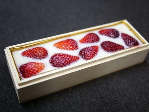 割烹料理店が1日20本限定販売している「苺みるく生洋羹」が極めて美味しい件 / 日本料理 雄