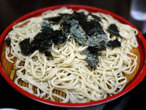トム・ハンクスが愛する蕎麦屋「神田まつや」で食べる / 伝統と熟練のざるそば