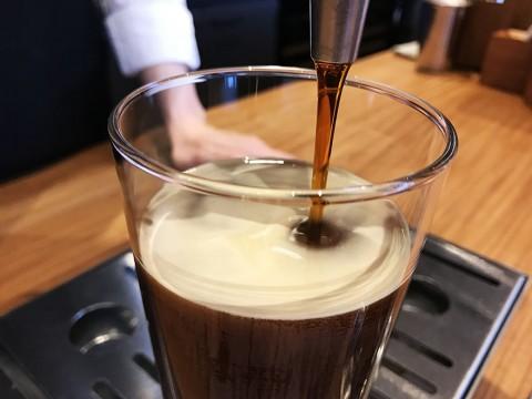 極上スターバックス誕生! 日本でたった一か所でしか飲めない究極の「ナイトロコールドブリュコーヒー」GINZA SIX