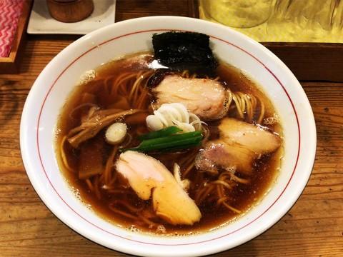 ここまで心地良い麺が存在するとは驚きだ / ラーメン屋カボちゃんの「しもふり中華そば」