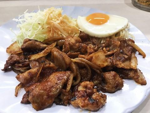 クロンボの「豚肉の生姜焼き定食」は極めて希少な独特テイスト / 定番のクロンボ定食よりも人気か