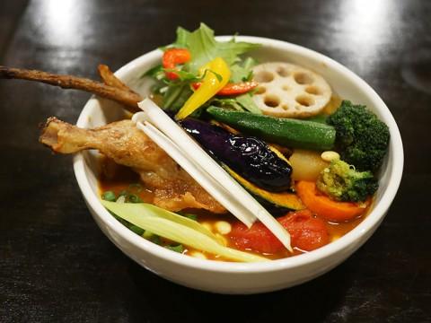 東京でもっとも野菜が美味いスープカレー「チキンと一日分の野菜20品目スープカレー」に感動 / Rojiura Curry SAMURAI