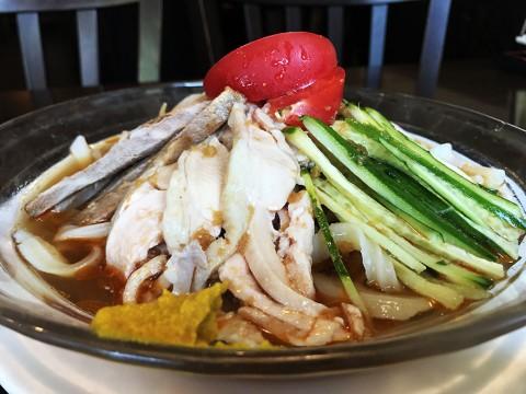 【極上の冷やし中華】おそらく日本で唯一の「刀削麺の冷やし中華」が絶品すぎる件 / 顧の店 刀削麺