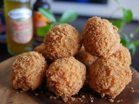 とろけるウマさの関川肉店のプレミアムコロッケ / 地域住民が愛する高貴なコロッケ