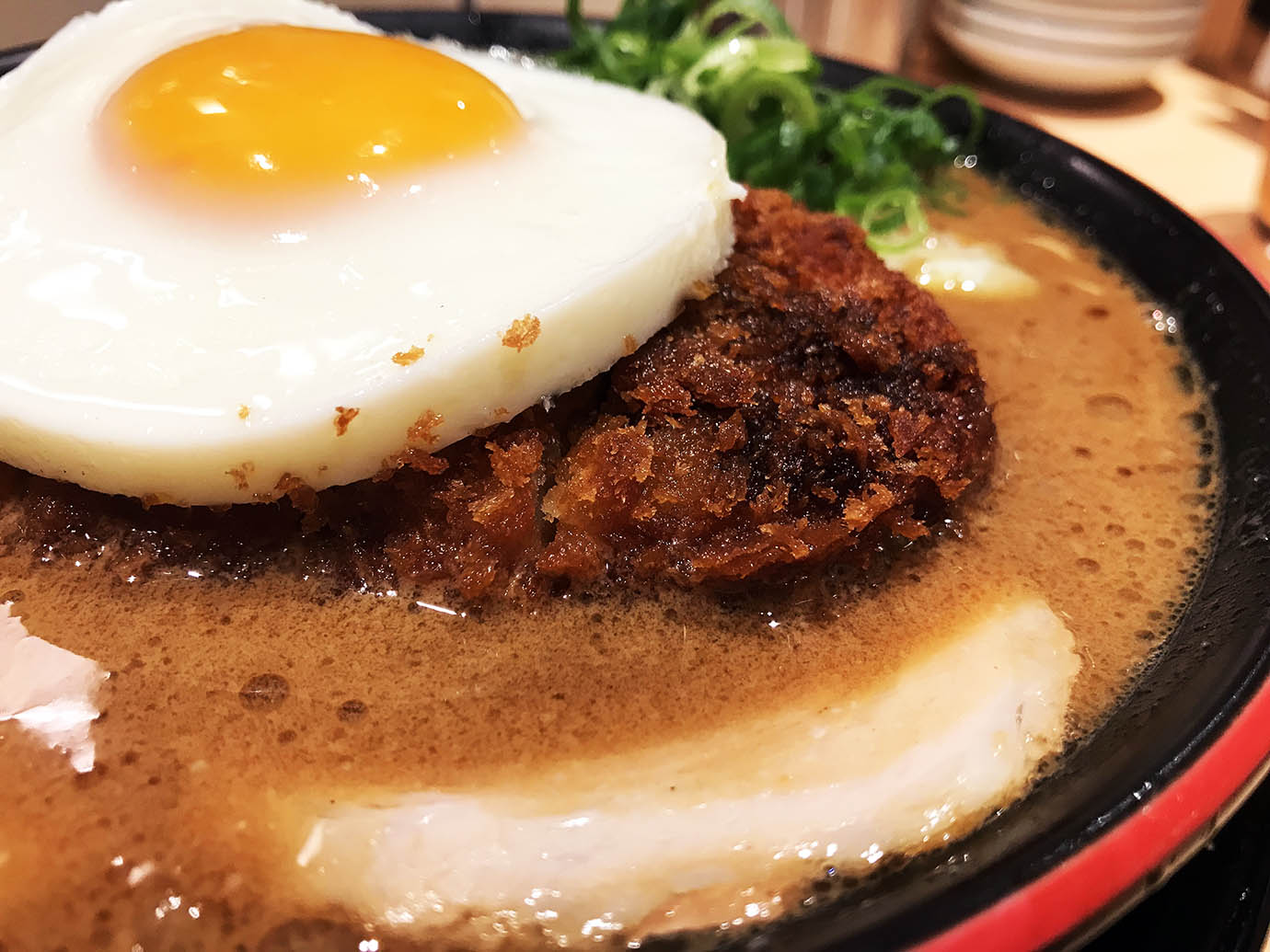 ippudo-sauce-tonkotsu-ramen4
