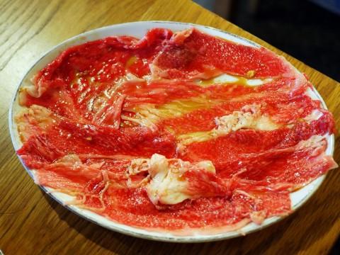【究極焼肉】極薄の絶品カルビがこの世のものとは思えない旨さを生む / 鶴松カルビ