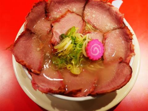 【究極グルメ】ソラノイロ食堂が「今までにない革命的なラーメン」を作ってしまった件 / 花びらチャーシューメン