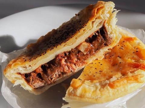 閉店間近!オーストラリアでNo,1のミートパイが食べられるパン屋「FAMILLE代官山」