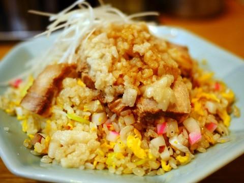 【伝説グルメ】チャーハンマニアが美味すぎて唸った背脂チャーハン / 中華味一