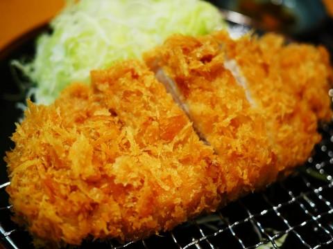【肉汁グルメ】池袋駅で食べるコスパ最強ロースカツ定食 / とんかつ大吉