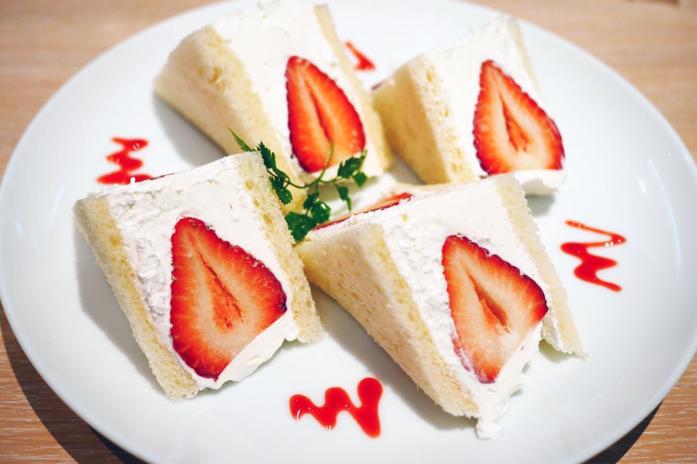 strawberry-sandwich2