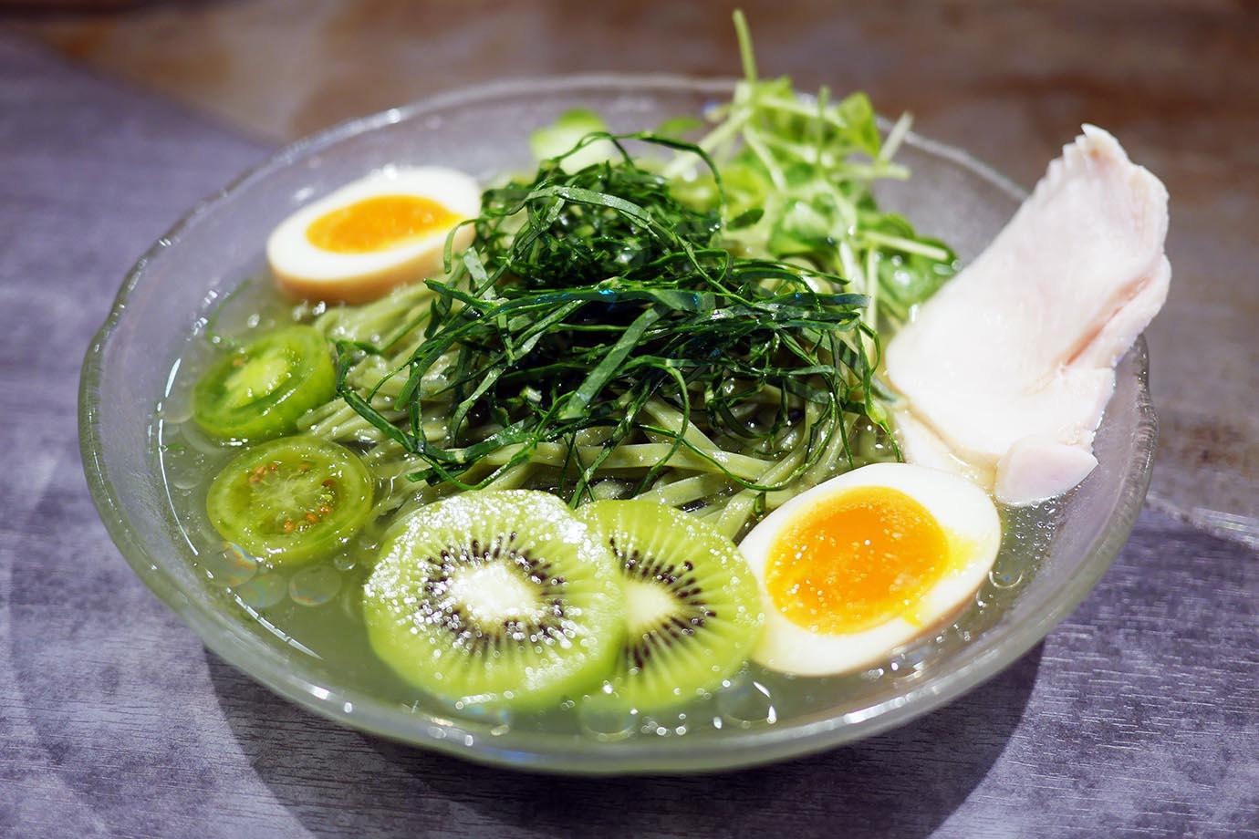 soranoiro-kyusai-aojiru-ramen3