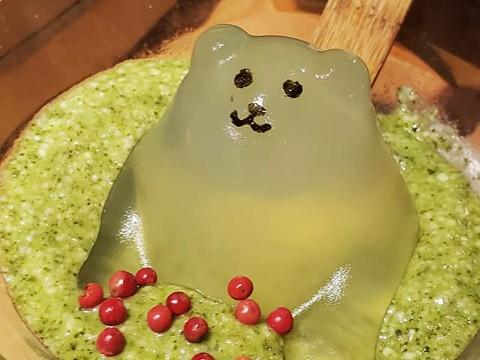 【可愛いグルメ】しゃぶしゃぶ温野菜の「ふわとろ夏鍋」が可愛すぎると大好評 / 熊が可愛いクマー!