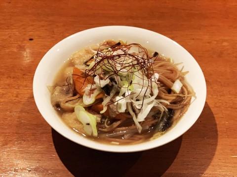 【希少グルメ】秋田県にかほ市民だけが知ってる! 給食に出る「あげそば」が激しくウマイ件