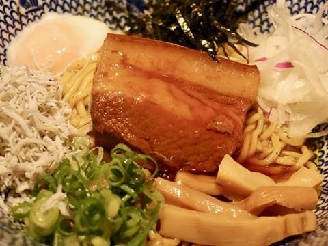 【話題グルメ】飲食店の「スパイス油そば」が人気すぎて店名変更 / 油そば 東京スパイスがオープン