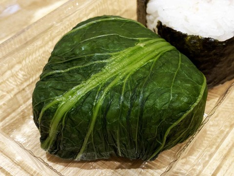 【地方都市グルメ】これぞまさに最強の和食ルート! 昔ながらの高菜おにぎりと大福に魅了される