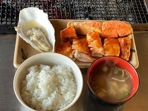 おそらく北海道でもっともシャケがウマい食堂「鮭番屋」でシャケを焼いて食え!