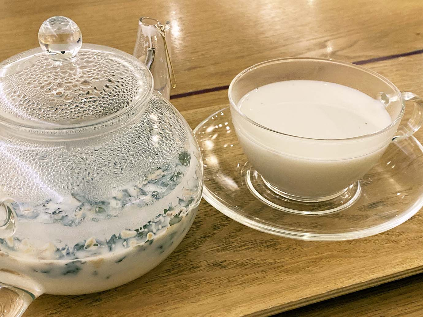 tea-with-milk-and-herbs