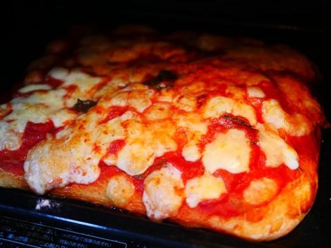【絶品テイクアウト飯】自分で作る持ち帰りナポリピザが楽しくてウマい件! ラ・ピッコラ・ターヴォラ