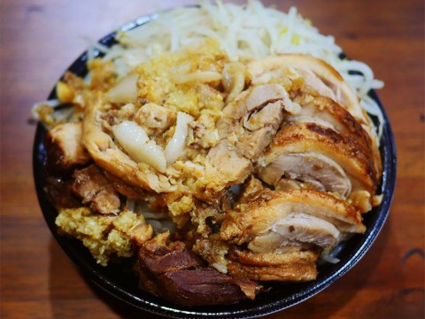 【二郎グルメ】家でラーメン二郎系が食べられる「宅二郎」が話題 / テイクアウトやUBERでマシマシ可能
