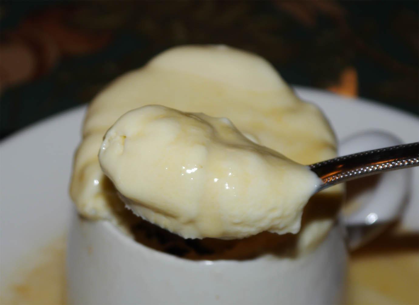burning-ice-cream-yakigouri