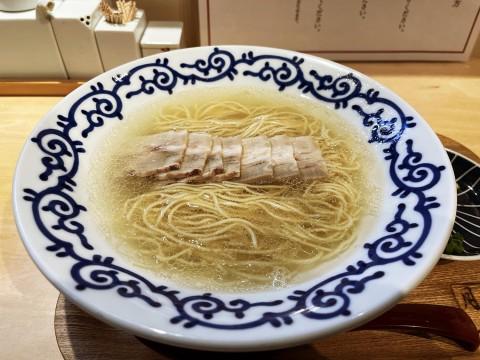 【斬新グルメ】美しすぎるラーメンを食べてみたのですが / 広尾の「豚そば月や東京」