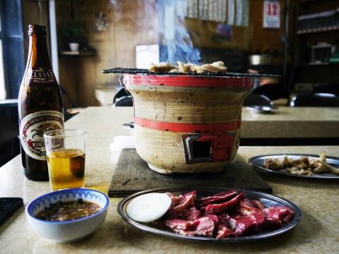 【最強グルメ】本当は教えたくない北海道の最強絶品焼肉屋「百萬里」でノスタルジーと旨味に浸る