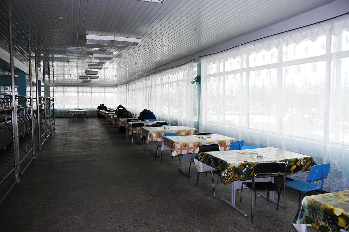 chernobyl-cafeteria13
