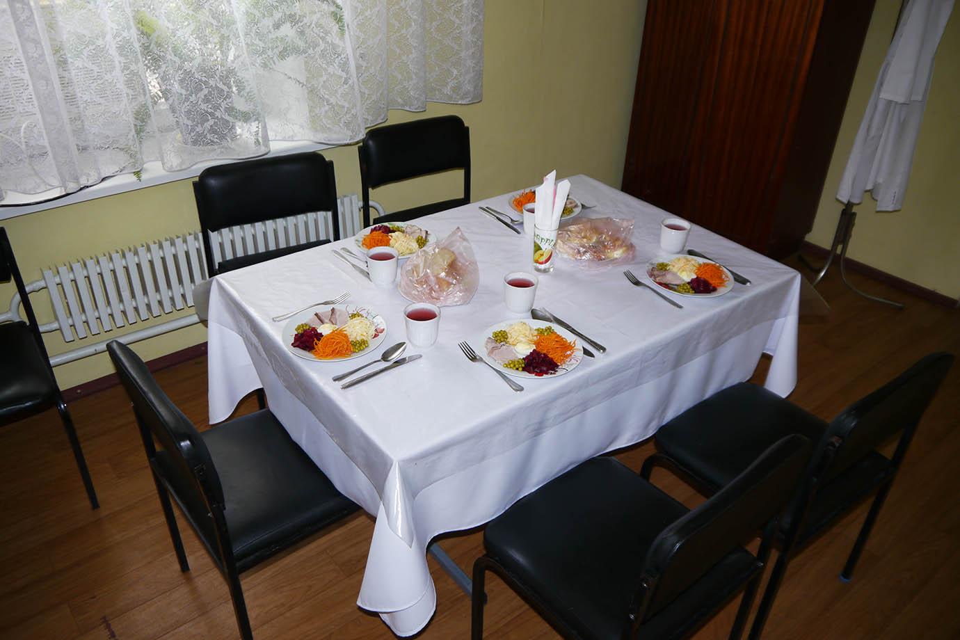 chernobyl-cafeteria30