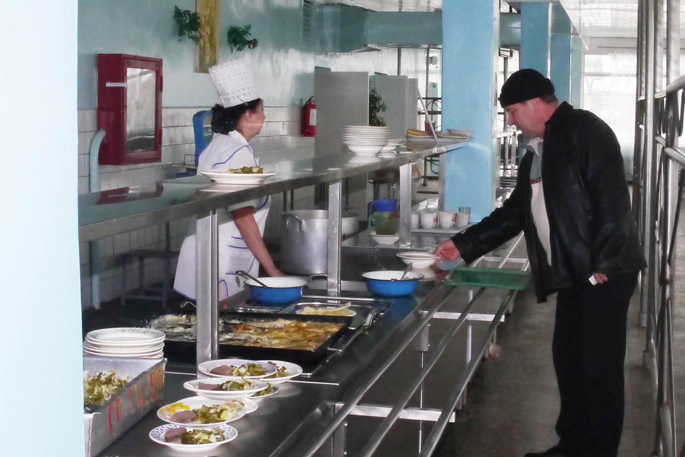 chernobyl-cafeteria39