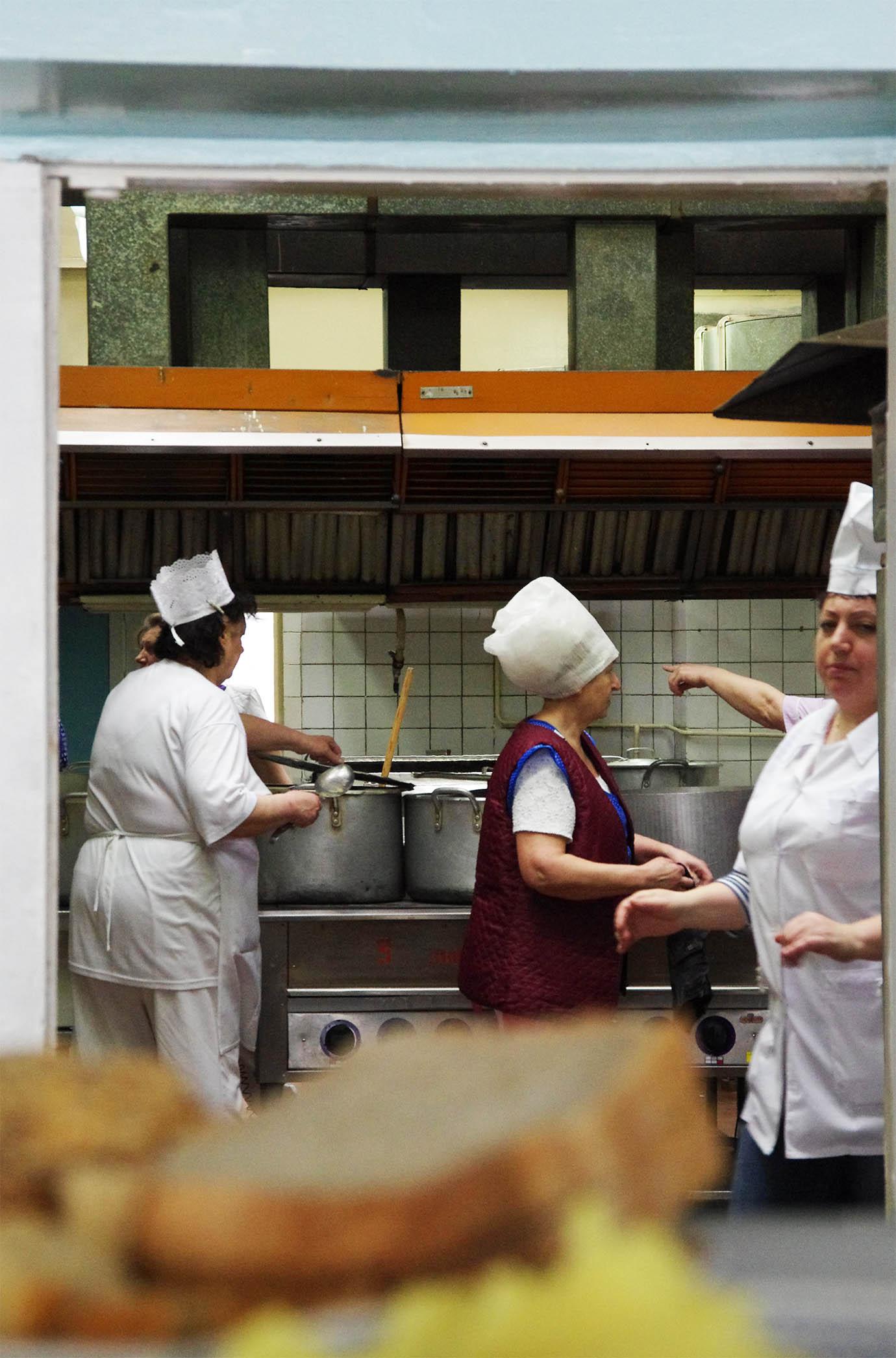 chernobyl-cafeteria83